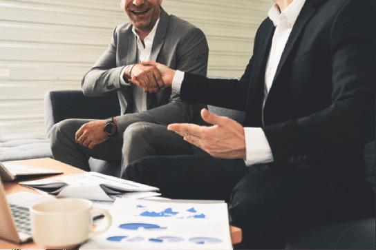 Crecer adquiriendo empresas puede parecer una alternativa más cara que otras. Sin embargo, en muchas ocasiones da resultados muy positivos que no se hubieran conseguido tan rápidamente con otras opciones